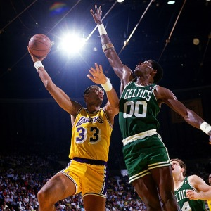 Abdul-Jabbar hook shot